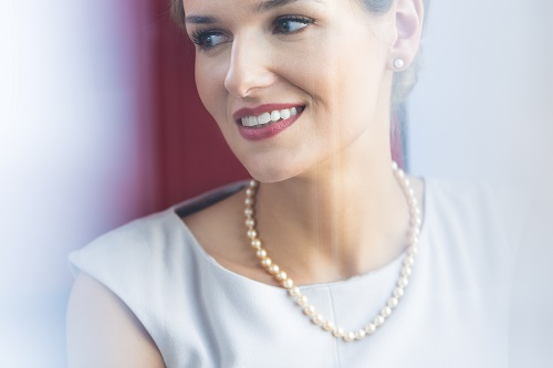 collier avec une perle